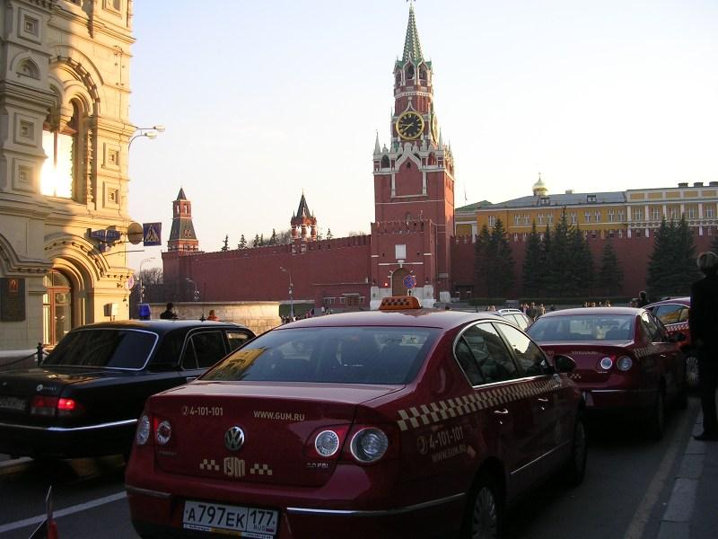 Глава ГУВД Владимир Колокольцев выступил с предложением забирать автомобили у частных пе