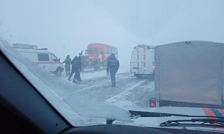 По прогнозам синоптиков в ближайшие сутки на Южном Урале сохранится низкая температура. Сотрудник