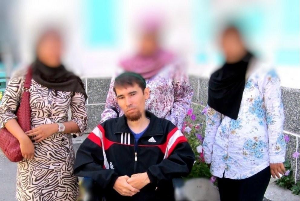 45-летнего жителя Челябинска, который из-за болезни с детства передвигается в инвалидной коляске,