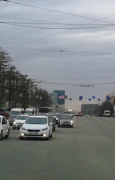 В Челябинске общественный транспорт начал ездить по выделенным полосам. Они появились на улицах Т