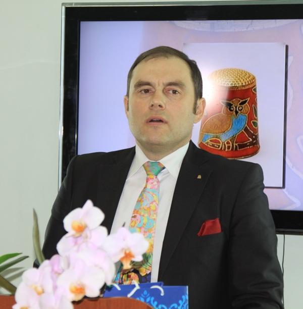 Основатель музея директор группы компаний «Копейская швейная фабрика» Владимир Малиновски