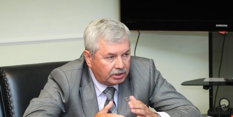 По словам лидера местных единороссов, партии дана четкая установка «не смешивать местные и регион