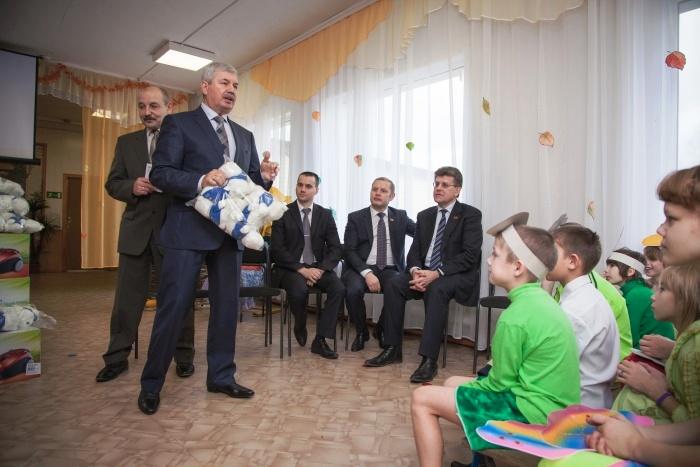 Депутаты не первый год оказывают благотворительную помощь этому детскому дому: недавно был провед