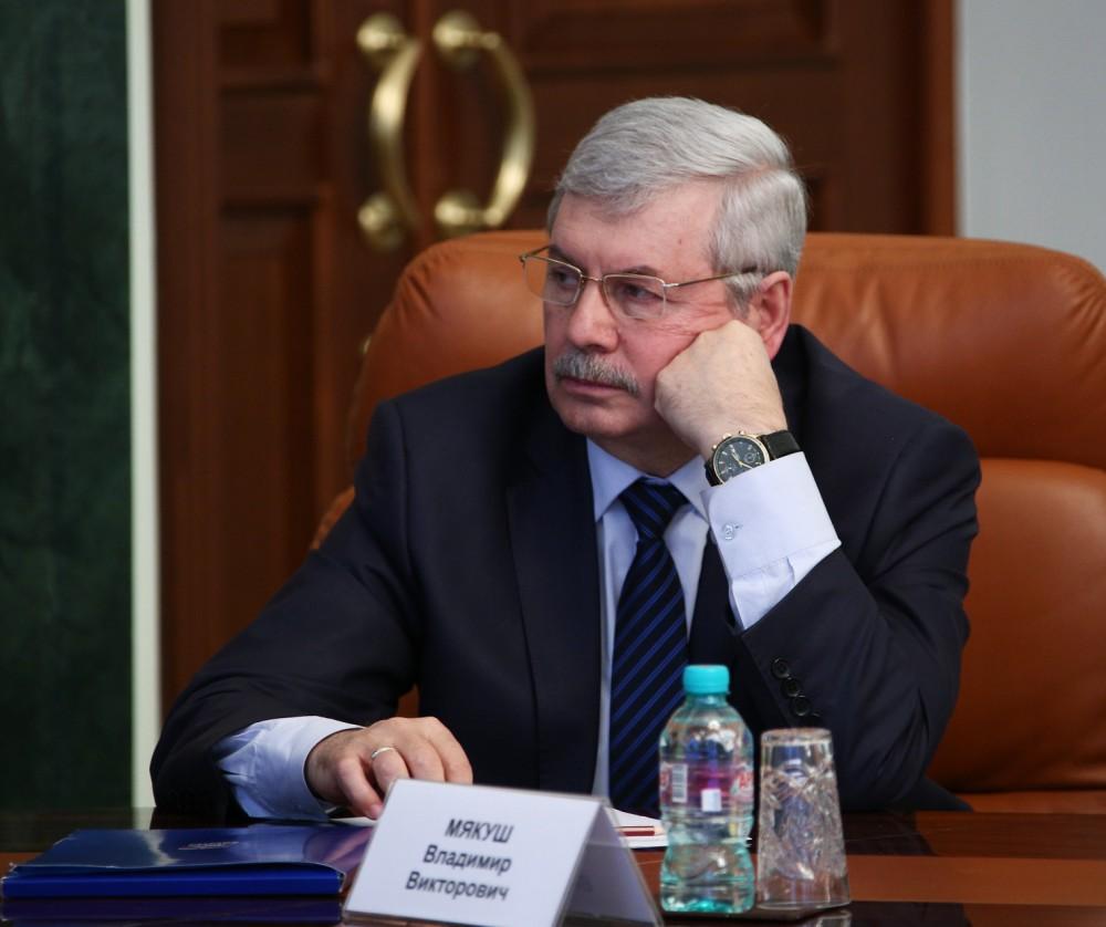 Сегодня, 24 июня, Владимир Мякуш провел закрытую встречу с Владиславом Кантемировым. «Мы поговори
