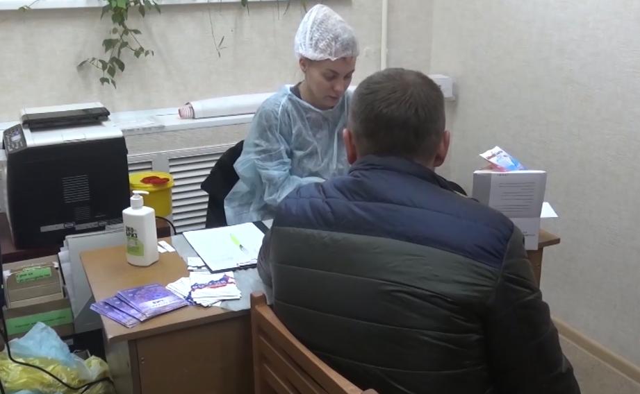 В Челябинской области распространению ВИЧ-инфекции в среде осужденных препятствует благотворитель