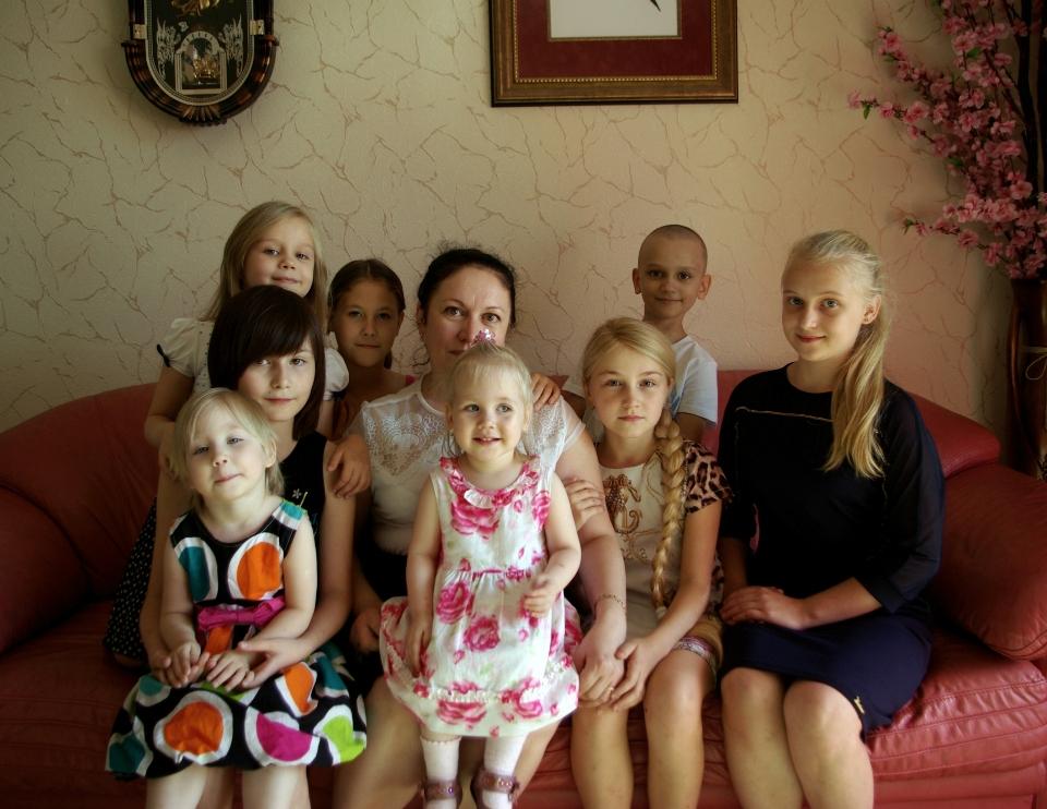 В Челябинской области лишь за последние полгода более тысячи детей, оставшихся без попечения род