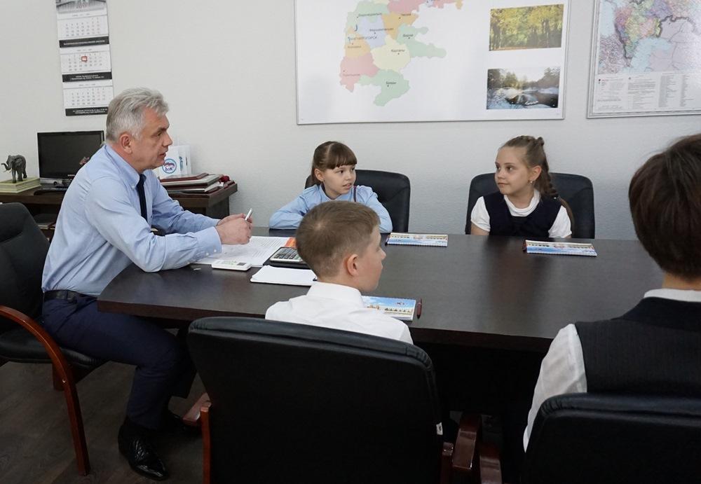 Почти весь апрель ребята провели в Крыму, а вчера поделились с председателем городского Собрания