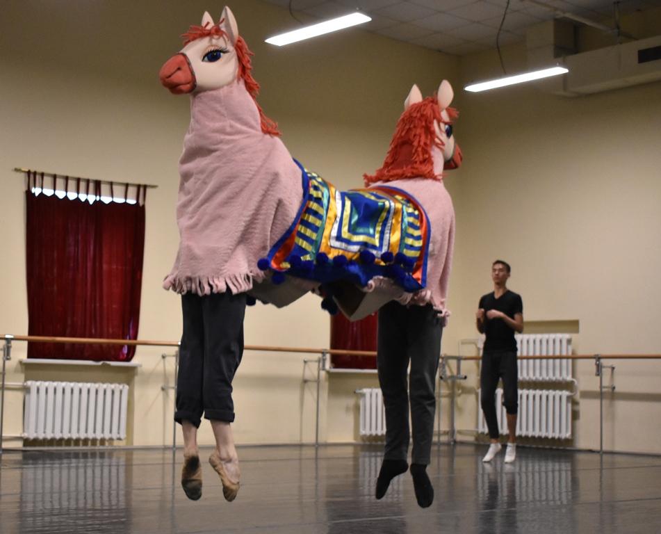 В челябинском театре оперы и балета 26 и 27 мая состоится премьера балета-сказки «Приключения док