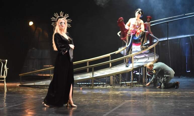 В новом сезоне челябинский театр драмы имени Наума Орлова представит 7 премьер. Первая из них – «