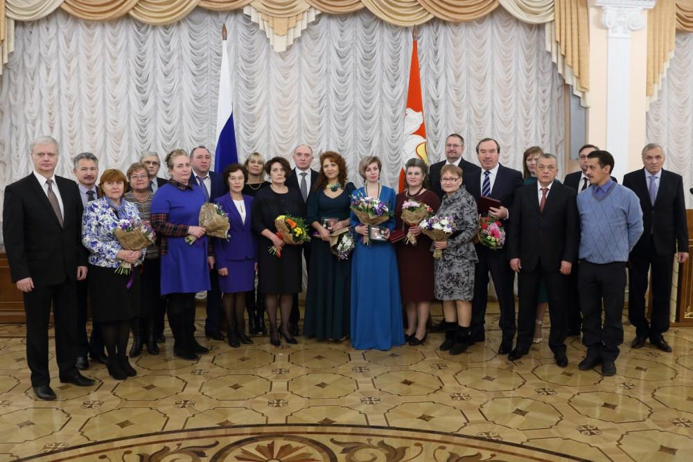 Борис Дубровский отметил, что традиционно в числе награжденных - представители самых разных профе