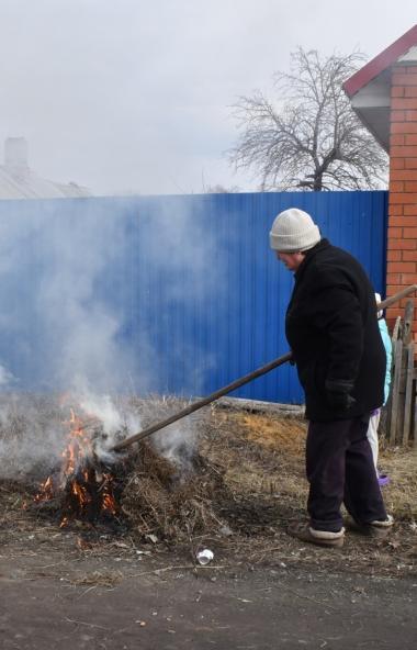 В Челябинской области в самом разгаре сезон горящих травы и сухостоя.  По данным на сего