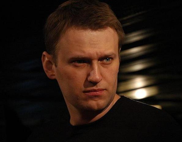 СМИ опубликовало переписку блогера Алексея Навального с экс-сотрудником «Альфа-групп» Владимиром