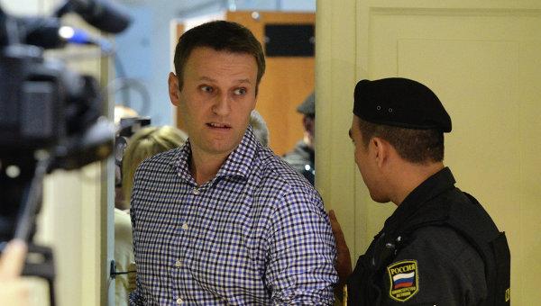 Как сообщает «РБК», по мнению председательствующего по делу судьи Сергея Блинова Алексей Навальны