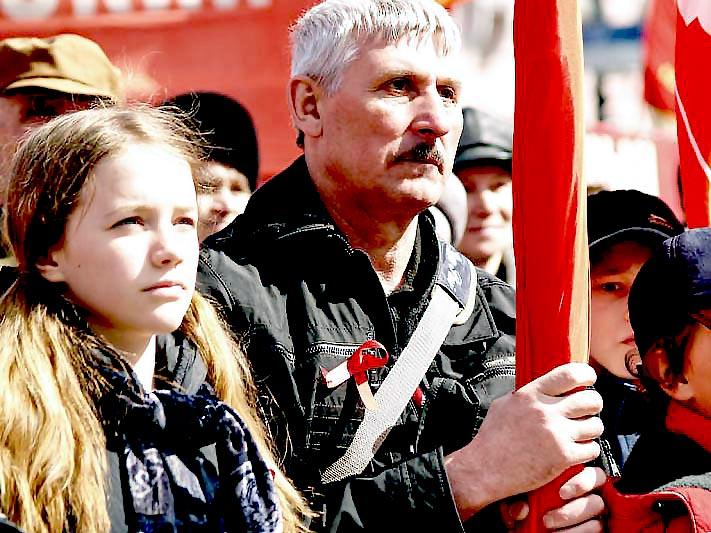По словам председателя центрального комитета партии «Коммунисты России» Максима Сурайкина, очеред