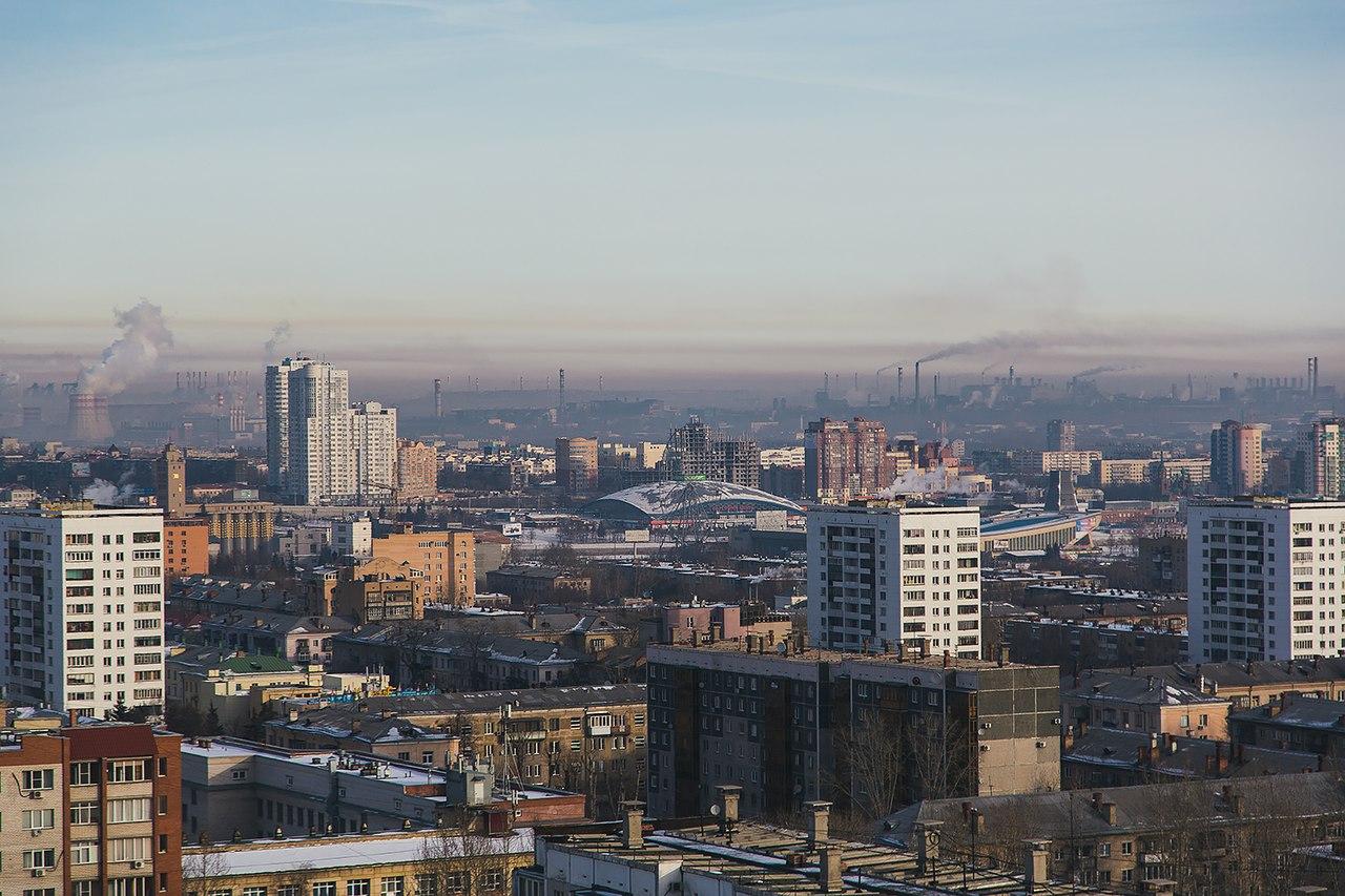 Данные о показателях выбросов и сбросов загрязняющих веществ с крупных предприятий-загрязнителей