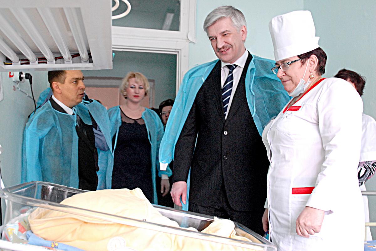 По словам главного врача детской поликлиники Ирины Ивановой, это не первое обращение к Сергею Лем
