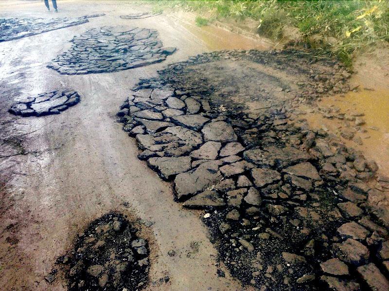 В Копейске Челябинской области горожане устали просить власти обустроить им дорогу в новостройке.