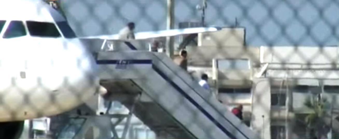 Сегодня, 29 марта, неизвестный захватил пассажирский самолет A-320 египетской авиакомпании, следо