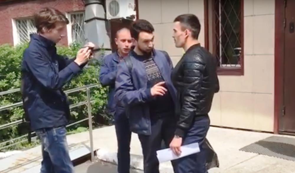 Сегодня, 29 мая, на выходе из спецприемника Бориса Золотаревского помимо стражей порядка встречал
