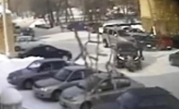 Дочь потерпевшей Алена разместила в соцсети видео дорожно-транспортного происшествия и рассказала