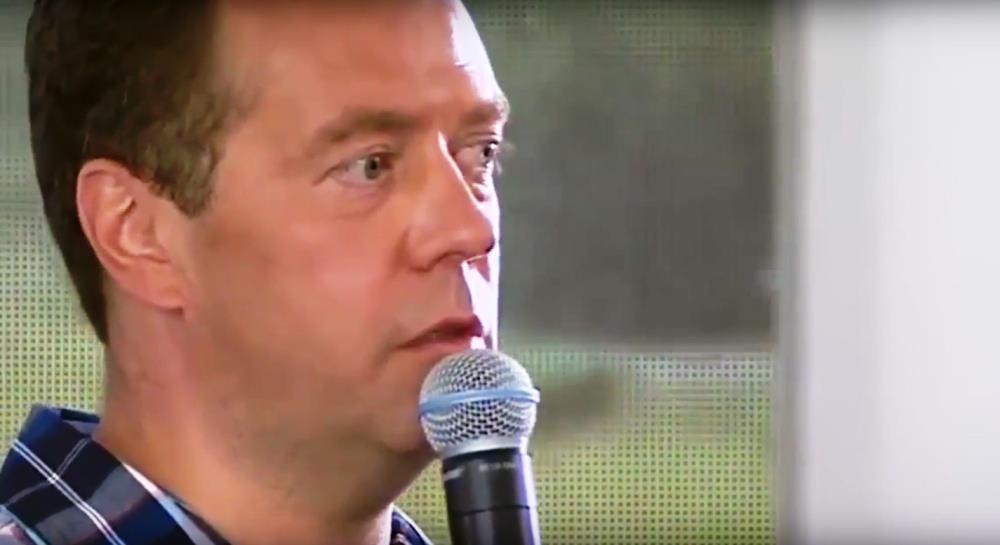 Дмитрий Песков заявил, что поставленную майскими указами президента Владимира Путина задачу повыс