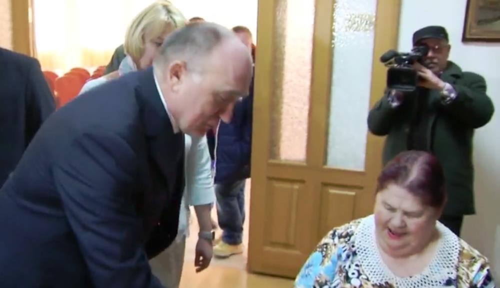 Глава региона в рамках своей рабочей поездки в Магнитогорск посетил дом-интернат для престарелых