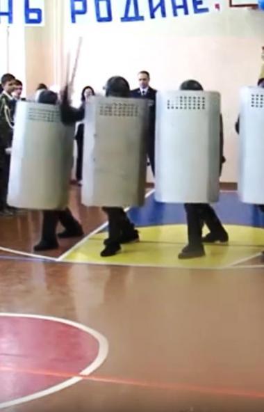 В Сети активно обсуждают видео показательного выступления сотрудников ГУФСИН по Челябинской облас