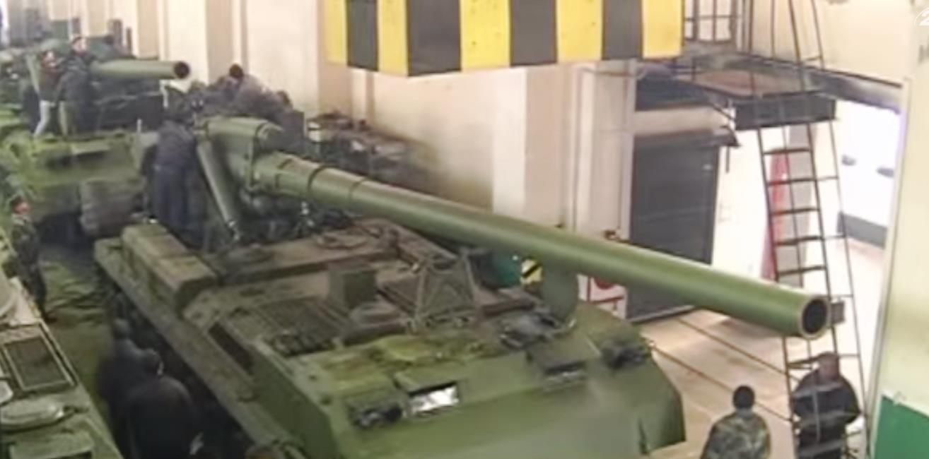 На луганском направлении две колонны бронетехники ополчения продолжают наступление в сторону 29-