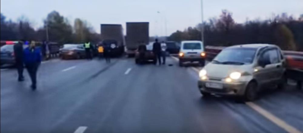 «ДТП произошло на трассе М5, на мосту через реку Дема возле кафе-кемпинга в сторону Челябинск