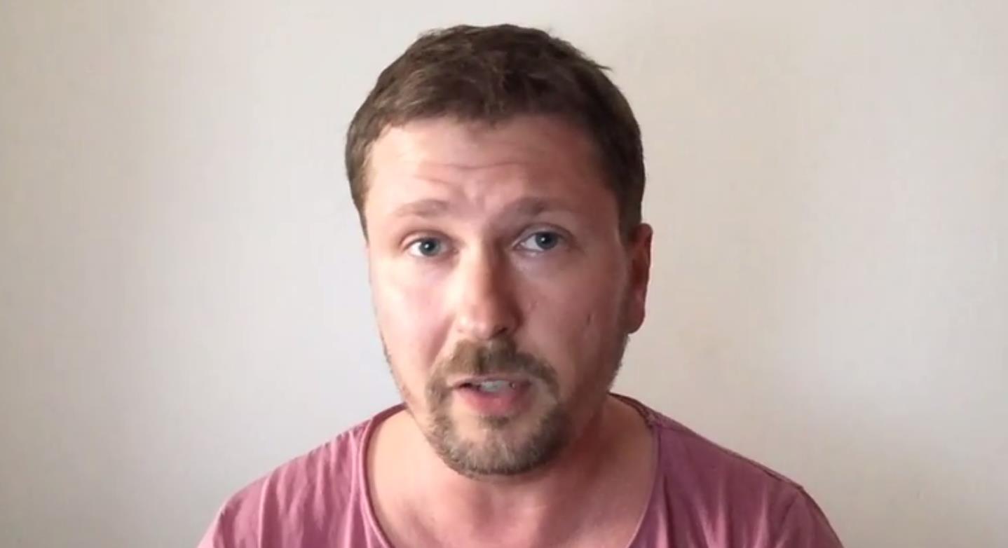 Как заявил блогер на своей странице в сети Интернет, Порошенко на мове упоенно рассказывает киевс