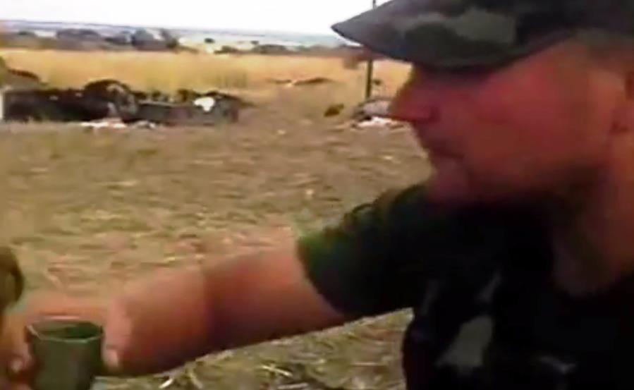 Как стало известно агентству «Урал-пресс-информ» из пятиминутного видеосюжета, артиллерийское под