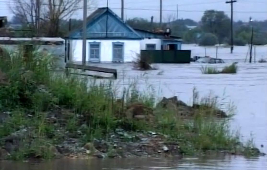 В результате наводнения многие жители Челябинской области остались без жилья, потеряли практическ