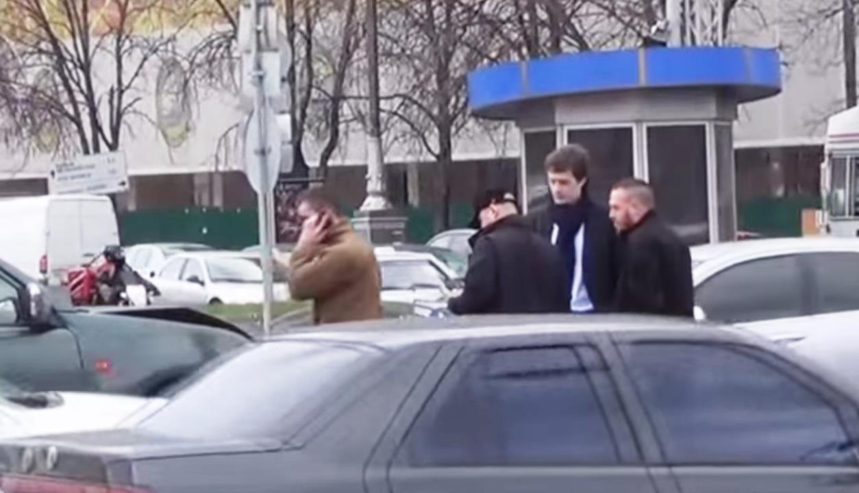 Как стало известно агентству «Урал-пресс-информ» из размещенной в сети Интернет видеозаписи, в ос