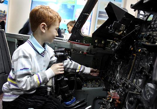 Как сообщили в пресс-службе Центрального военного округа, Денис, увлекающийся военными игрушечным