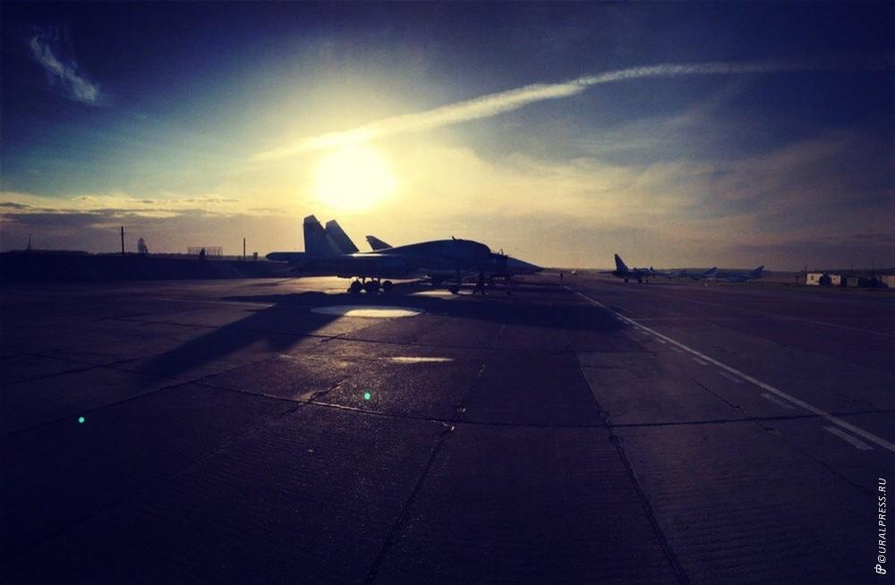 В ближайшее время два новых многофункциональных истребителя-бомбардировщика прибудут во второй гв
