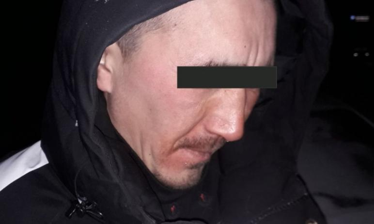 В Челябинске сегодня, третьего марта, бойцами ЧОП был задержан местный житель, который, находясь