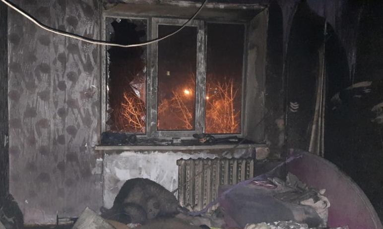 В понедельник, пятого апреля, в Кыштыме (Челябинская область) в бывшем здании общежития вспыхнули
