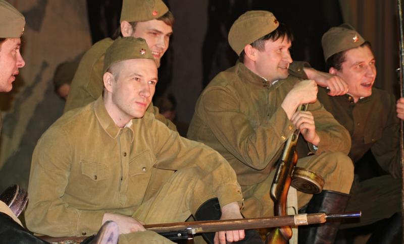 Как сообщили агентству «Урал-пресс-информ» в пресс-службе театра, на спектакль пришли более 600 ч
