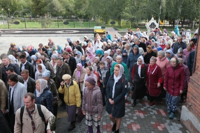 Не все спокойно в православном королевстве: кому служим?