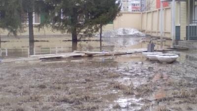 Дорожники помогут чуриловцам пройти к затопленной поликлинике