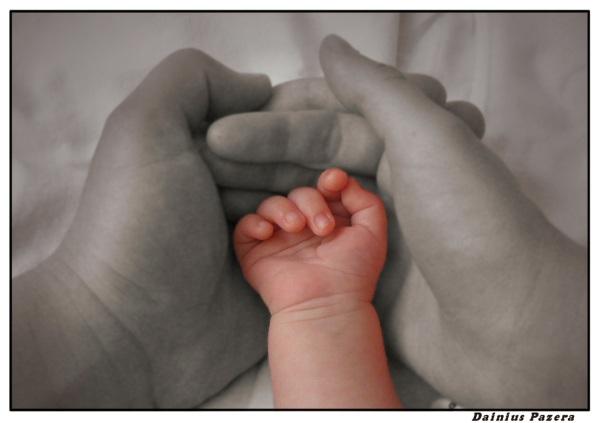 В том числе, 860 детей отданы под опеку, усыновлено 147 ребят, еще более 150 ребят обрели прием