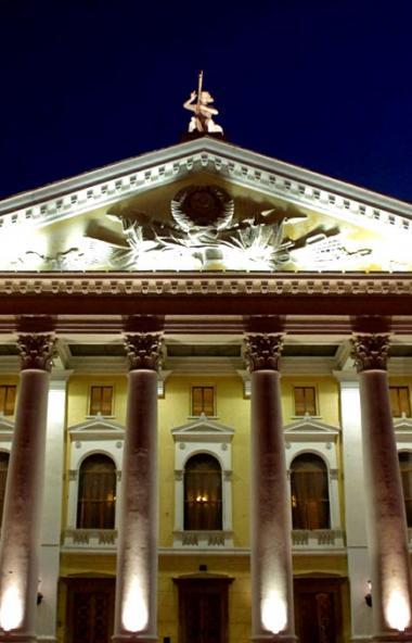 Челябинский театр оперы и балета имени Глинки подготовил приятные новогодние сюрпризы для зрителе