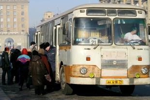 Работники филиала «Челябинский автобусный транспорт» в Ленинском районе Челябинска обеспо