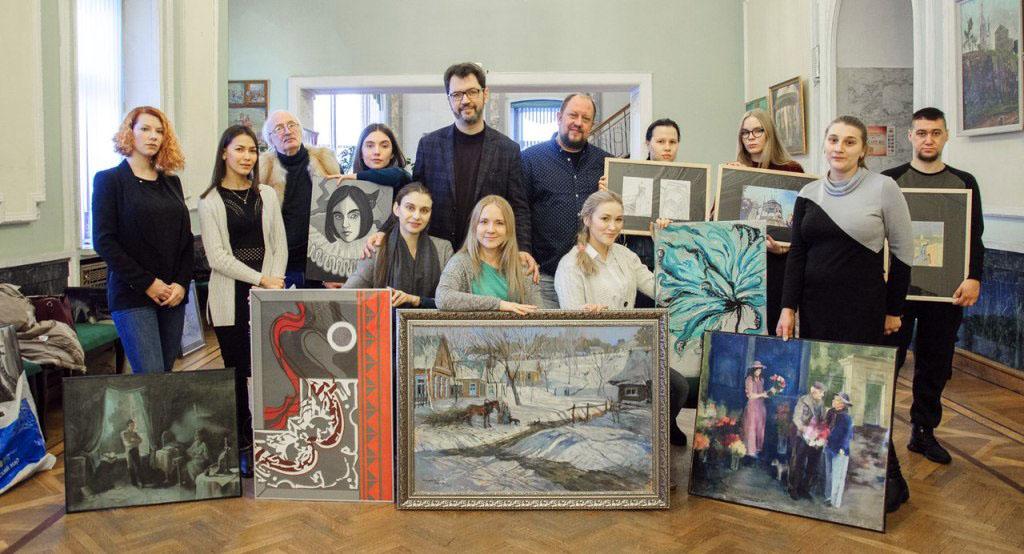 В выставке примут участие молодые (от 18 до 35 лет) художники Челябинска и Челябинской области –