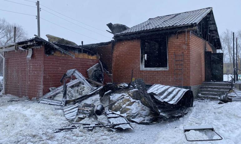 В Копейске (Челябинская область) произошел пожар в храме Рождества Христова. Рассматриваются неск