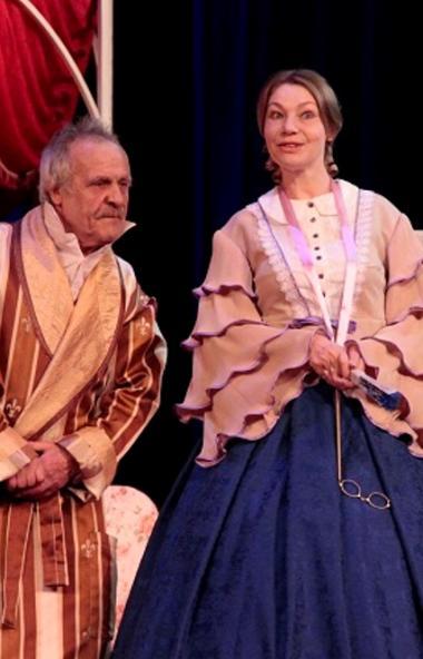 В Златоустовском «Омнибусе» с большим успехом прошла премьера шутки-водевиля «И смех, и слезы, и
