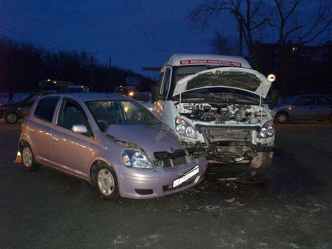 Водитель автомобиля ГАЗ-322132 двигался по проспекту Победы в направлении от улицы Горького. При