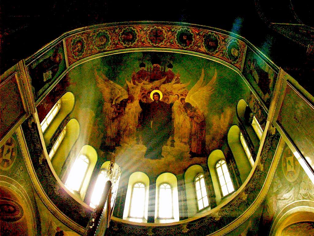Завтра, 27 апреля, у православных Великая Суббота, ее еще называют Страстная или Красильная. Вели