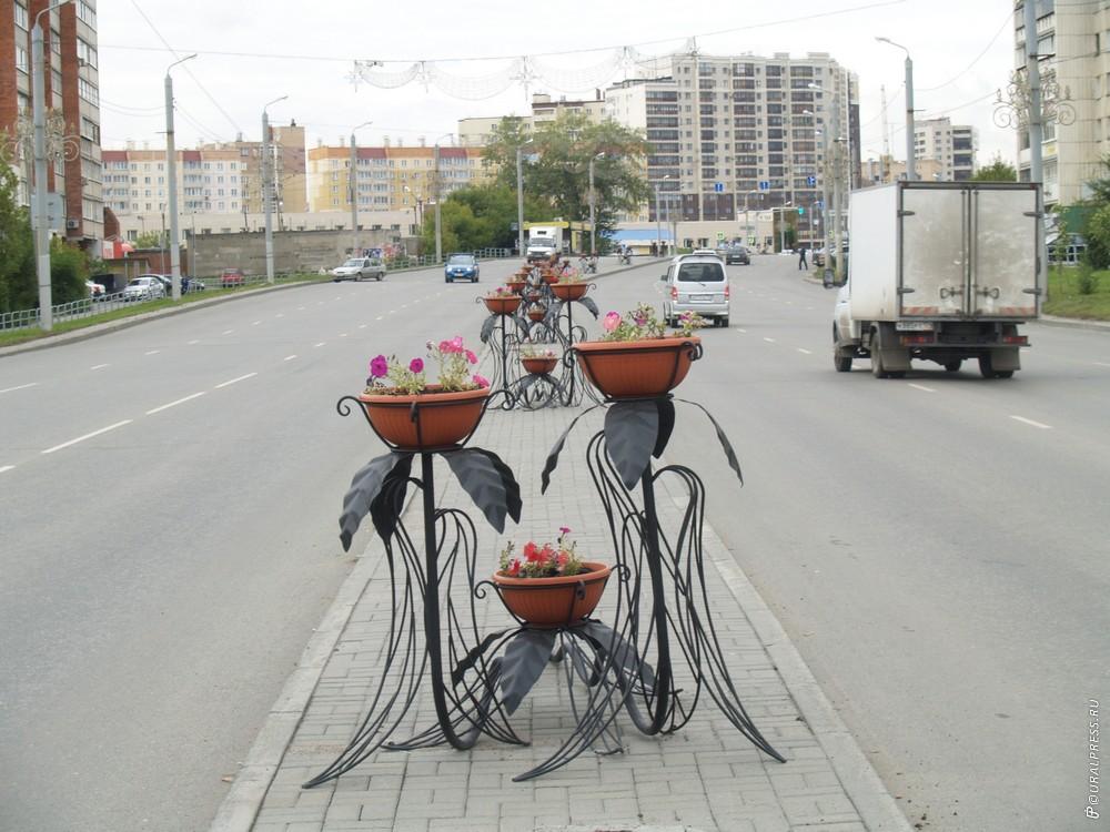 В Челябинске завершаются работы по благоустройству дворовых территорий и общественных пространств