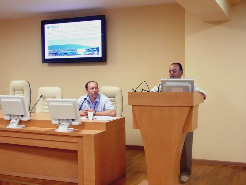 Организаторами симпозиума выступили Научно-образовательный центр «Композитные материалы и констру